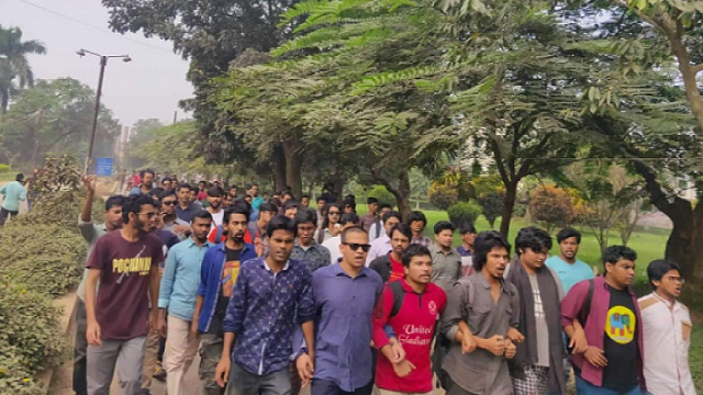 Continue protest seeking JU VC's removal
