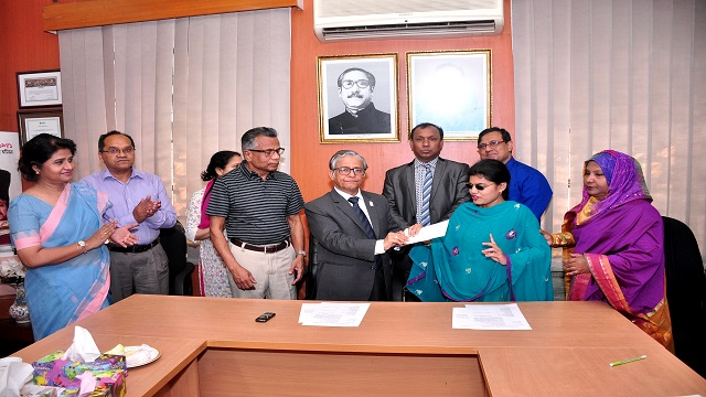 Three DU students get Farid-Shireen Scholarship