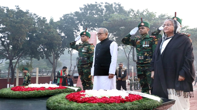 President and PM pays homage to martyred intellectuals