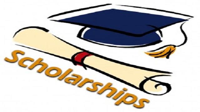 231 students get academic scholarships in Rajshahi
