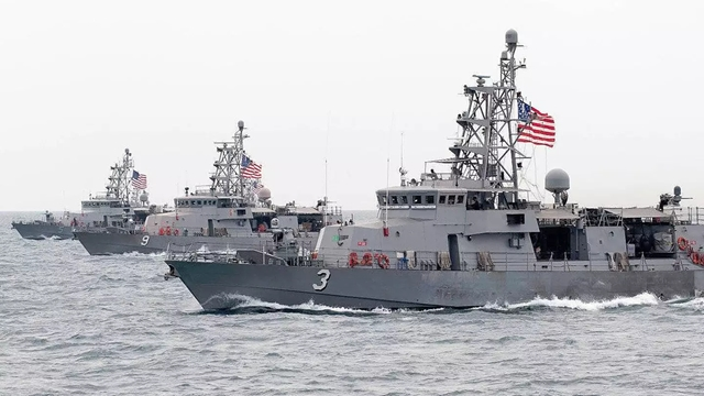 Iran Guards drone spies on US warships