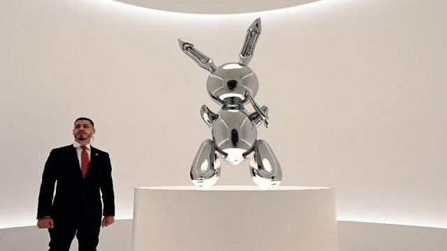 Jeff Koons work sells for $91.1 million