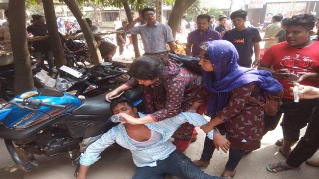 BCL activists attack JCD men at DU Campus