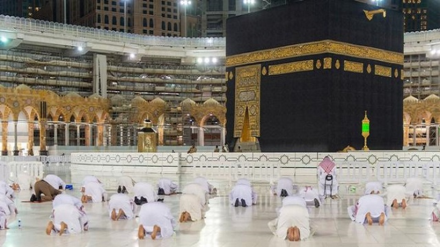Hajj: Touching Kaaba to be banned during this year's