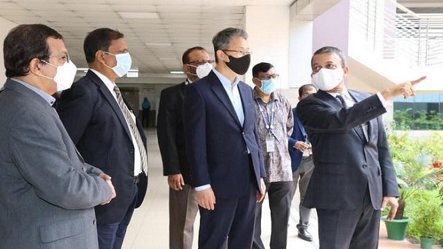 Korean Ambassador Lee visits Independent University campus
